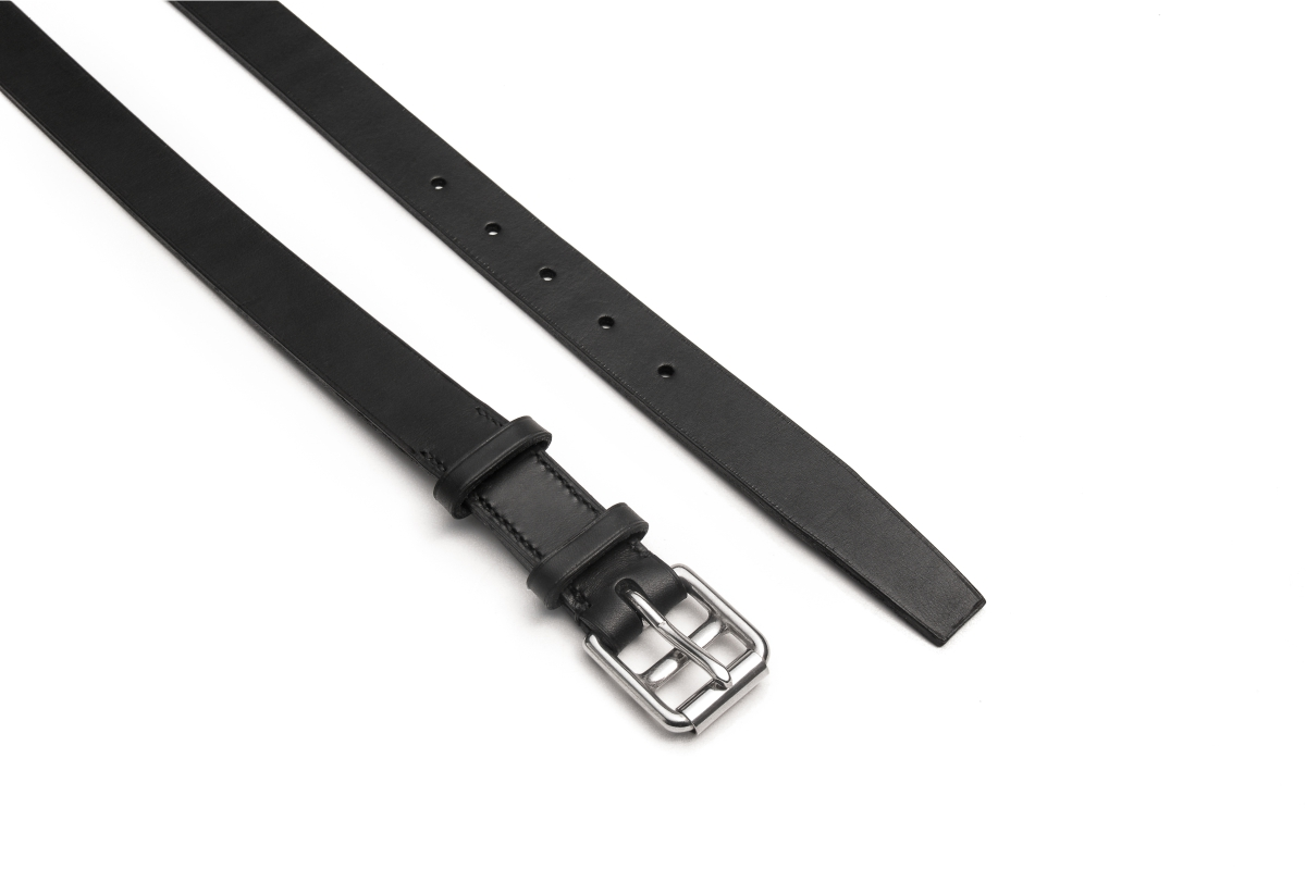 slim leather belt in black natural cowhide with stainless steel square saddle girth buckle